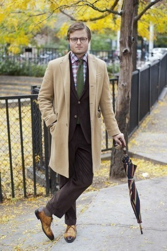 How to Wear Brown Socks For Men: Try pairing a camel overcoat with brown socks for an easy-to-wear look. If you wish to effortlessly ramp up this look with a pair of shoes, why not add tan leather derby shoes to the equation?