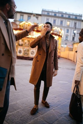 Tobacco Overcoat Outfits: Try teaming a tobacco overcoat with a dark brown suit to look smooth and smart. You can get a bit experimental when it comes to shoes and add a pair of brown suede tassel loafers to your ensemble.