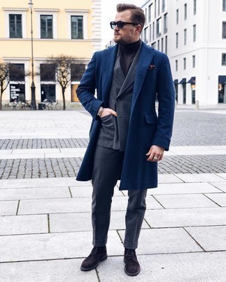 Navy Sunglasses Outfits For Men: For an off-duty outfit, go for a navy overcoat and navy sunglasses — these two items play perfectly well together. And if you want to immediately up your look with shoes, why not complement this outfit with dark brown suede brogue boots?