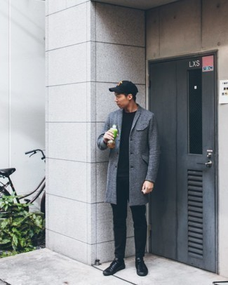 Black Leather Low Top Sneakers Outfits For Men: Breathe laid-back refinement into your daily repertoire with a grey overcoat and black chinos. Let your styling prowess really shine by complementing your ensemble with a pair of black leather low top sneakers.