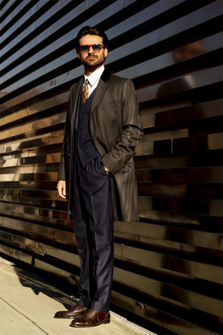 Navy Sunglasses Cold Weather Outfits For Men: A dark brown overcoat and navy sunglasses are amazing menswear staples that will integrate really well within your day-to-day casual rotation. Feel somewhat uninspired with this getup? Invite dark brown leather oxford shoes to spice things up.