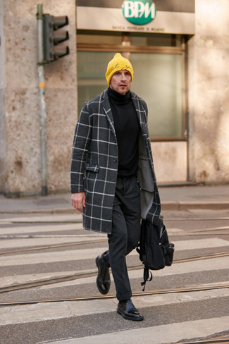 How to Wear a Black Turtleneck For Men: Fashionable and practical, this off-duty pairing of a black turtleneck and charcoal wool chinos provides with variety. Finishing with black leather chelsea boots is a guaranteed way to give a hint of class to this getup.