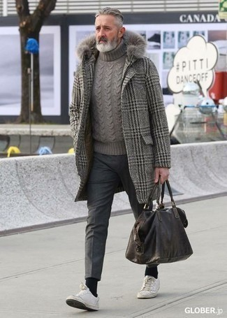 How to Wear a Grey Knit Turtleneck For Men: A grey knit turtleneck and charcoal wool chinos are absolute menswear essentials that will integrate nicely within your current casual wardrobe. The whole look comes together quite nicely if you introduce white leather low top sneakers to this outfit.