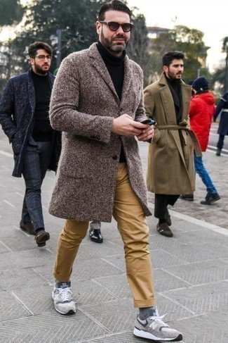 How to Wear Grey Socks For Men: A brown overcoat and grey socks are amazing menswear essentials that will integrate wonderfully within your casual repertoire. Complete your ensemble with grey athletic shoes to keep the look fresh.