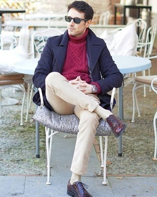 How to Wear Beige Socks For Men: This off-duty combo of a navy overcoat and beige socks is a winning option when you need to look dapper but have no time. Balance out your getup with a smarter kind of shoes, such as this pair of burgundy leather oxford shoes.