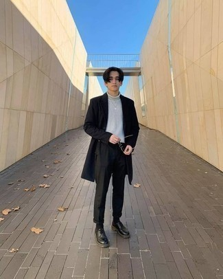 Navy Overcoat Outfits: You'll be surprised at how easy it is for any man to throw together this casually smart outfit. Just a navy overcoat and black chinos. And if you need to immediately elevate your outfit with one item, why not introduce black leather derby shoes to the mix?