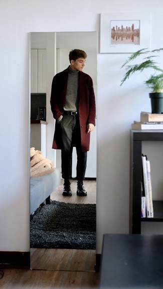 Grey Wool Turtleneck Outfits For Men: Take your relaxed casual style up a notch in a grey wool turtleneck and charcoal chinos. Why not complete this ensemble with black leather casual boots for a dose of refinement?