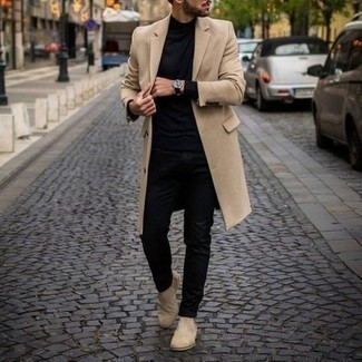 Men's Outfits 2021: This smart casual combo of a camel overcoat and black chinos is super easy to put together in no time, helping you look amazing and ready for anything without spending too much time combing through your wardrobe. If you want to feel a bit fancier now, complete this ensemble with beige suede chelsea boots.