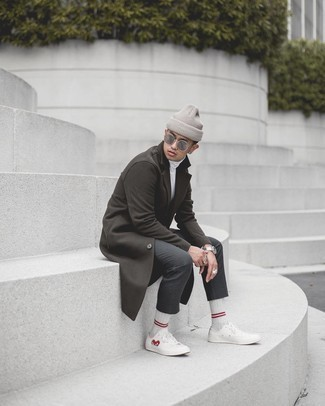 White Horizontal Striped Socks Outfits For Men: Want to infuse your closet with some casual street style? Wear a dark brown overcoat with white horizontal striped socks. White print canvas low top sneakers integrate nicely within plenty of combinations.