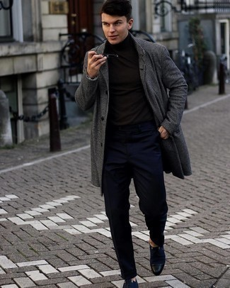Navy Chinos Outfits: A charcoal check overcoat and navy chinos are the kind of effortlessly classic items that you can wear for years to come. Feeling venturesome? Shake things up with a pair of navy canvas derby shoes.