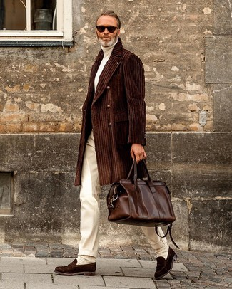 How to Wear a Brown Leather Holdall After 40 In Warm Weather For Men: For an off-duty ensemble with a twist, you can easily wear a dark brown overcoat and a brown leather holdall. Why not take a smarter approach with footwear and complete your ensemble with dark brown suede loafers?