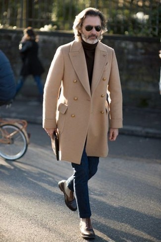Which Overcoat To Wear With Dark Brown Casual Boots: Breathe style into your current styling repertoire with an overcoat and navy jeans. This outfit is rounded off perfectly with a pair of dark brown casual boots.