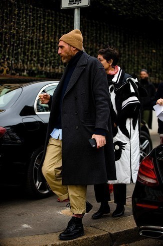 Charcoal Overcoat Outfits: Go effortlessly classic by wearing a charcoal overcoat and khaki chinos. Black leather casual boots pull the look together.