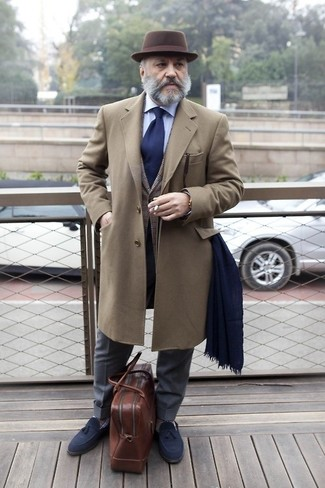 A brown overcoat and an Express men's Narrow Silk Tie Solid will showcase your sartorial self. A good pair of navy suede tassel loafers are sure to leave the kind of impression you want to give. This look is a pretty great idea, especially for autumn, when the temperature is starting to drop.