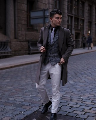 Overcoat Outfits: For a look that's truly envy-worthy, dress in an overcoat and white dress pants. To give this ensemble a more relaxed aesthetic, why not complement this outfit with black leather chelsea boots?
