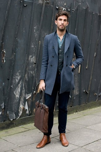 The best choice for effortlessly classic menswear style? A blue overcoat with navy jeans. Add tan leather chelsea boots to the equation for an air of sophistication.