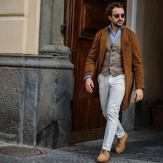 Tan Wool Waistcoat Outfits: This pairing of a tan wool waistcoat and white dress pants is ideal when you need to look seriously smart. Finishing off with tan suede derby shoes is the most effective way to infuse a more laid-back spin into this getup.