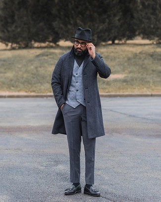 Charcoal Overcoat Outfits: This pairing of a charcoal overcoat and charcoal dress pants comes to rescue when you need to look elegant and seriously dapper. And if you wish to instantly play down your look with a pair of shoes, why not complete your look with a pair of black leather tassel loafers?