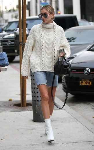 How to wear: white knit oversized sweater, light blue denim bermuda shorts, white leather ankle boots, black leather crossbody bag