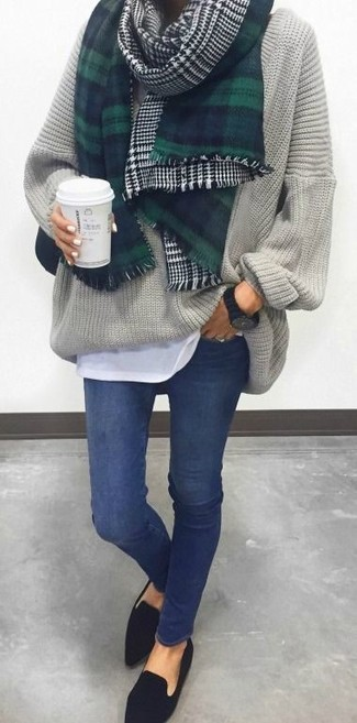 Rock a grey oversized sweater with navy skinny jeans, if you want to dress for comfort without looking like a hobo. Lift up your look with J.Crew women's Charlie Penny Loafers In Suede. This combination is super functional and will help you out in unpredictable spring weather.