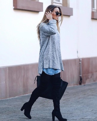 How To Wear a Denim Shirt With Leggings: A denim shirt and leggings are a combination that every chic woman should have in her off-duty sartorial arsenal. For a more sophisticated take, why not complete this ensemble with black suede over the knee boots?