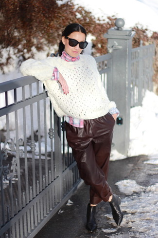 060b196d484e0 How to wear: white knit oversized sweater, pink plaid dress shirt, dark  brown Black Sunglasses ...