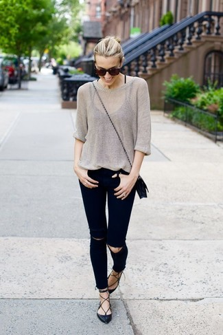 How to wear: grey oversized sweater, black ripped skinny jeans, black leather ballerina shoes, black leather crossbody bag