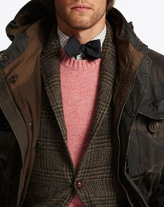 How to wear: dark brown parka, dark brown plaid wool blazer, pink crew-neck sweater, white gingham long sleeve shirt