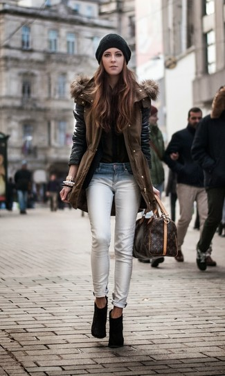 How to wear: brown parka, olive button down blouse, white skinny jeans, black suede ankle boots