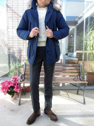 A blue parka and black wool dress pants are a great outfit formula to have in your arsenal. Got bored with this outfit? Enter dark brown suede chelsea boots to switch things up. When staying inside on a crisp winter day is not possible, this ensemble just might get you through the day.