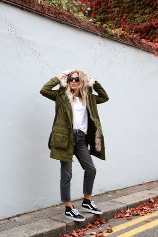 Charcoal Boyfriend Jeans Outfits: Choose functionality by wearing an olive parka and charcoal boyfriend jeans. When it comes to shoes, add black and white high top sneakers to the mix.