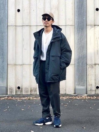 Navy Parka Outfits For Men: Extremely stylish and functional, this casual pairing of a navy parka and black chinos brings variety. You could go down the casual route with footwear by sporting a pair of navy and white athletic shoes.