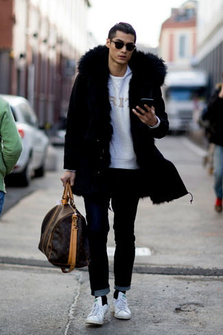 How to wear: black parka, grey print sweatshirt, white crew-neck t-shirt, black jeans