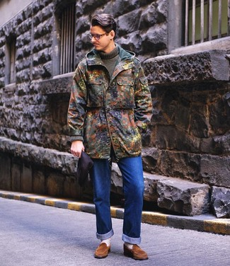 How to wear: olive camouflage parka, olive knit turtleneck, blue jeans, brown suede loafers