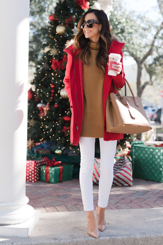 How to wear: red parka, tobacco turtleneck, white skinny jeans, beige leather pumps