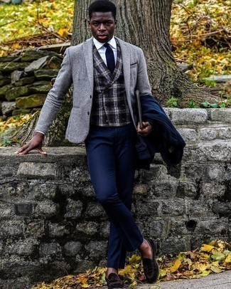 Navy Dress Pants Outfits For Men: Pair a navy pea coat with navy dress pants if you're going for a proper, sharp look. As for footwear, introduce a pair of dark brown suede tassel loafers to the equation.