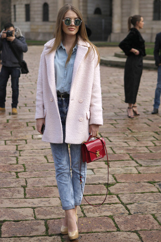 Rock a rose pink pea coat with blue jeans for an effortless kind of elegance. Dress up this look with nude leather pumps.
