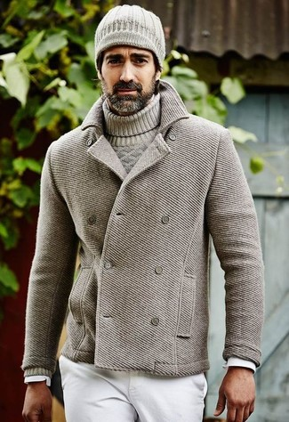 This combo of a grey pea coat and white jeans will add a graceful essence to your getup. So when summer is fading away and autumn is setting in, this look is likely to become your uniform.