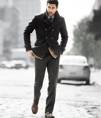 How to Wear a Charcoal Pea Coat: This classy combo of a charcoal pea coat and charcoal wool dress pants is a favored choice among the fashion-forward gentlemen. Dark brown leather brogues are guaranteed to add a hint of stylish nonchalance to this look.