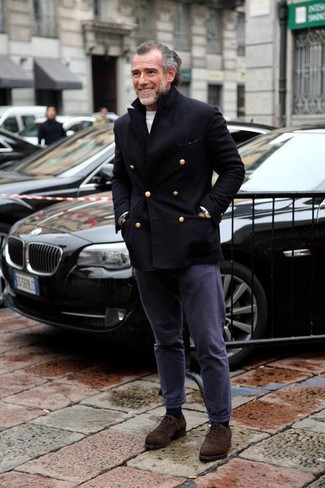 Go for a sophisticated look in a black pea coat and AG Adriano Goldschmied men's The Slim Khaki In Military Navy Apparel. Perk up your getup with dark brown suede oxford shoes. This outfit is absolutely great to welcome the springtime.