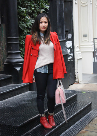 A red pea coat and black skinny jeans is a savvy combination to impress your crush on a date night. Red leather ankle boots will instantly smarten up even the laziest of looks.