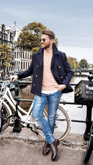 Blue Skinny Jeans Outfits For Men: A navy pea coat and blue skinny jeans? This is an easy-to-achieve outfit that anyone could wear on a daily basis. Finishing with a pair of dark brown leather chelsea boots is a fail-safe way to bring an extra dimension to your look.