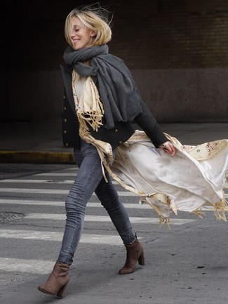 Beige Print Scarf Outfits For Women: Why not consider pairing a black pea coat with a beige print scarf? These two pieces are totally comfortable and will look nice paired together. To give your overall ensemble a more sophisticated spin, complement your outfit with brown suede ankle boots.