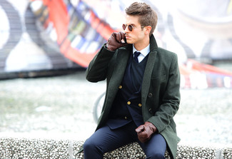 How To Wear a Navy Blazer With a Blue V-neck Sweater For Men: A navy blazer and a blue v-neck sweater are absolute wardrobe heroes if you're planning a classic wardrobe that holds to the highest sartorial standards.