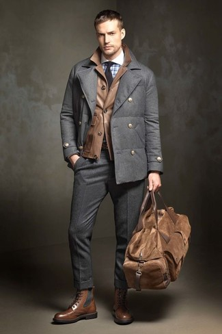 How to Wear a Brown Leather Holdall In Your 30s In Fall For Men: A charcoal pea coat and a brown leather holdall will add serious style to your daily casual wardrobe. Add a pair of brown leather brogue boots to your ensemble to immediately kick up the wow factor of any outfit. This one is a viable choice when it comes to picking out a killer getup for transitional weather.