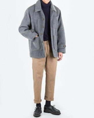 How to Wear Khaki Chinos: This pairing of a grey pea coat and khaki chinos looks polished, but in a cool kind of way. To bring out a sophisticated side of you, introduce a pair of black leather derby shoes to the mix.