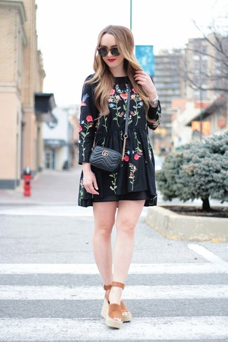 How to wear: black embroidered peasant dress, brown suede wedge sandals, black quilted leather crossbody bag, black sunglasses