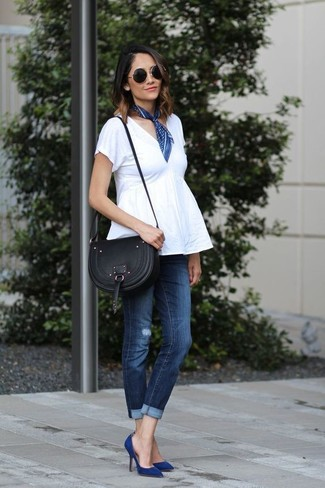 Wear a white peplum top with a navy bandana for a comfortable outfit that's also put together nicely. Make navy suede pumps your footwear choice to kick things up to the next level. When summer settles in you want to feel comfortable and stylish –– this ensemble is just what you need.