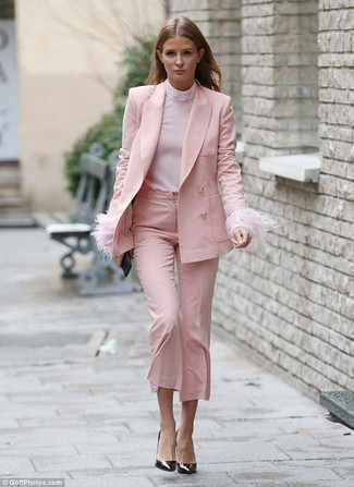 How to wear: pink blazer, pink turtleneck, pink culottes, black leather pumps