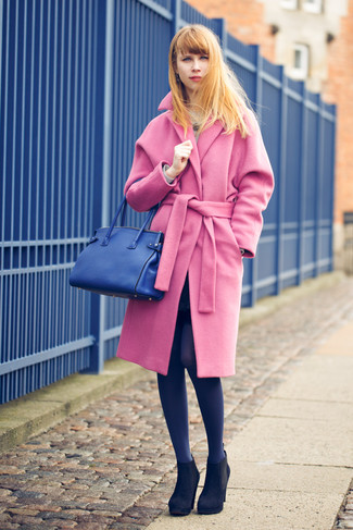 Make a fashionable entry anywhere you go in a pink coat. Black suede booties will become an ideal companion to your style. Loving that this combo is great when spring arrives.